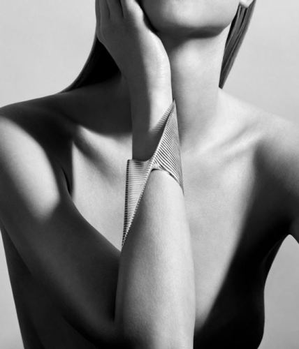 zaha-hadid-bangle-georg-jensen-bracelet-jewelry-style-fashion-designer-architect