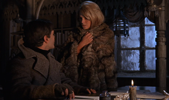 Julie-Christie-and-Omar-Sharif-in-Dr-Zhivago-e1386835531629